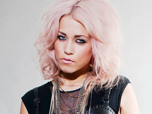 The X Factor Final 16: Amelia Lily