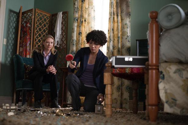 Olivia (Anna Torv, L) and Astrid (Jasika Nicole, R)