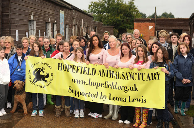 Leona Lewis visits Hopefield Animal Sanctuary