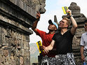 The Amazing Race continues its latest season with another leg in Indonesia.