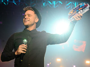 Olly Murs wins Best Album at the Radio 1 Teen Awards