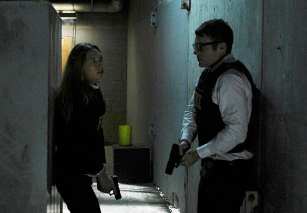 Olivia (Anna Torv), Lincoln (Seth Gabel)