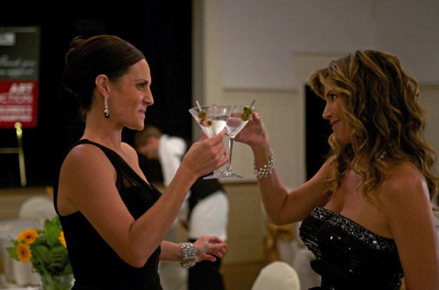 Meredith McGeachie as Sue and Charisma Carpenter as Maggie