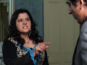 Zainab tells Yusef she hates him