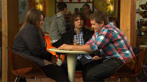 Hollyoaks: 3205: 2011-11-04