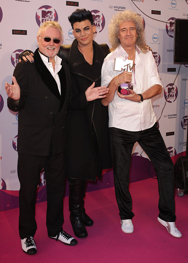 EMAs 2011: Adam Lambert with Roger Taylor and Brian May of Queen