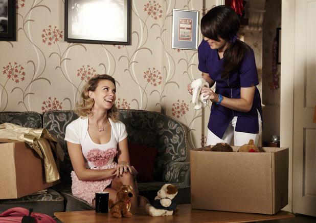 Poppy Meadow (Rachel Bright) and Jodie Gold (Kylie Babbington) make friends again