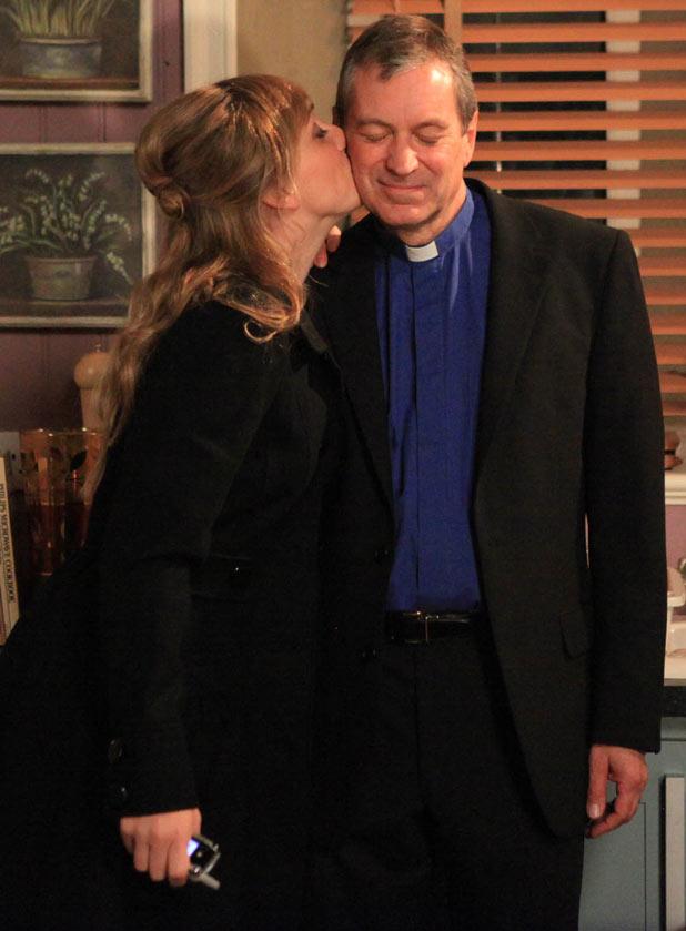 Laurel Thomas (Charlotte Bellamy) and Ashley Thomas (John Middleton)