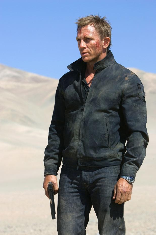 007 adrift in the desert