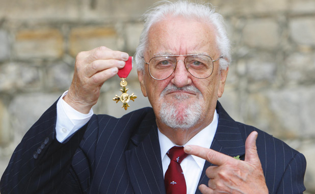 Bernard Cribbins collects his OBE