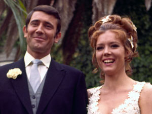 George Lazenby is the only Bond to get hitched, marrying Diana Rigg&#39;s Tracy Di Vicenzo in his one and only Bond outing