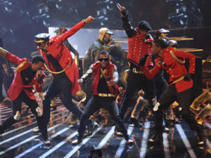 The X Factor USA Top 12 Performances: The Stereo Hogzz