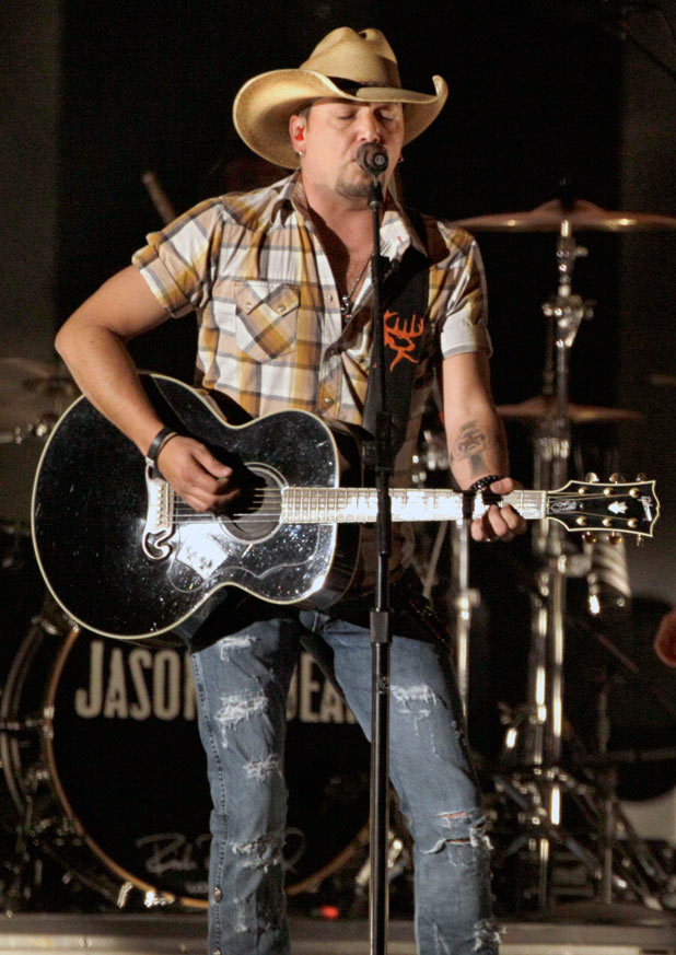 'Album of the Year' and 'Event of the Year' winner Jason Aldean performing his track 'Tattoos on This Town'.