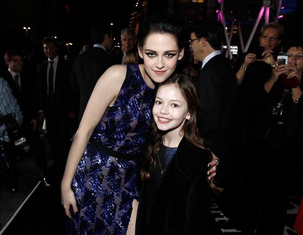 Kristen Stewart with Mackenzie Foy