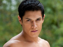 Click in for seven sexy pictures of Twilight star Alex Meraz.