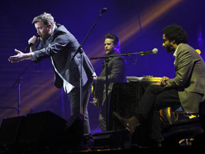 Children in Need Rocks Manchester: Elbow
