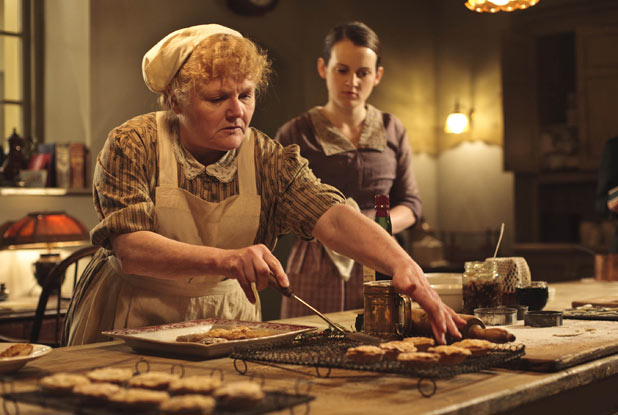 Downton Abbey: Mrs Patmore & Daisy serve the mince pies