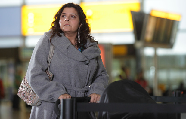 Zainab arrives at the airport after Yusef tells her they are leaving today