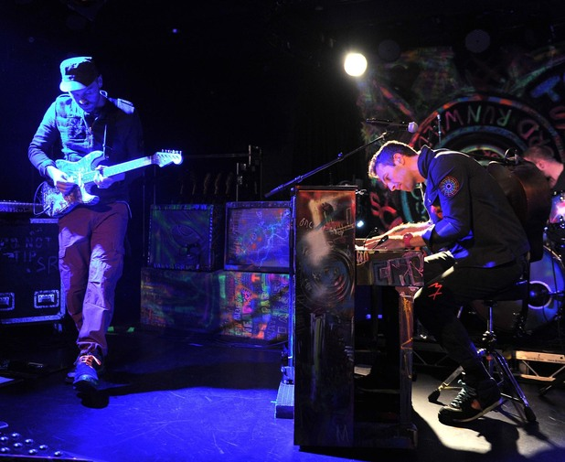 Coldplay perform