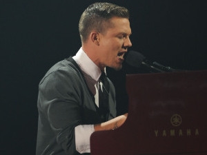 The X Factor USA Top 4 Performances: Chris Rene