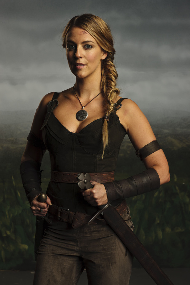 Isolde (MIRANDA RAISON)