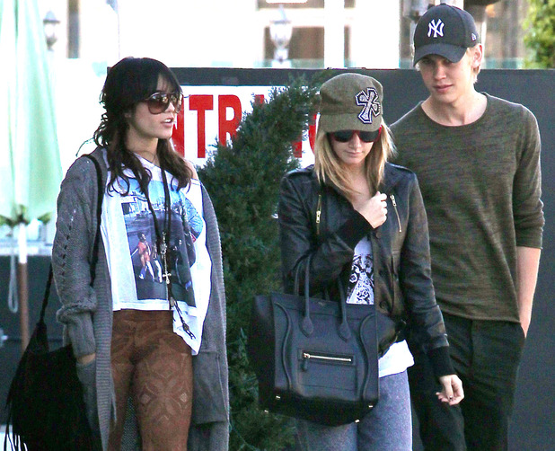 Vanessa Hudgens, Ashley Tisdale and Austin Butler
