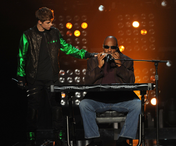 Justin Bieber and Stevie Wonder duetting on 'The X Factor'
