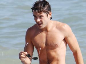 Zac Efron shirtless
