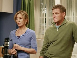 Desperate Housewives: S08E10: &#39;What&#39;s To Discuss, Old Friend&#39;