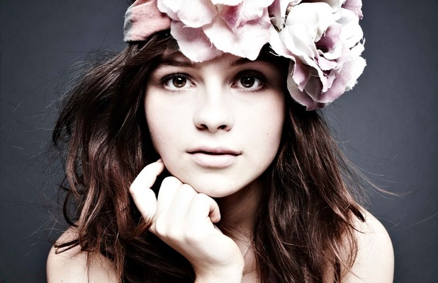 Gabrielle Aplin press shot