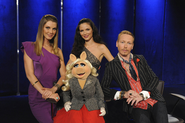 Project Runway All Stars Episode 3: Angela Lindvall, guest judge Miss Piggy, Georgina Chapman and guest judge Eric Daman