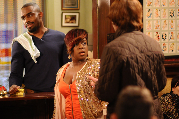 Kim Fox (Tameka Empson) slaps her date