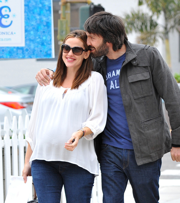 Jennifer Garner, Ben Affleck and Violet Affleck pregnant Jennifer Garner out and about with her husband and their oldest daughter in Santa Monica Los Angeles