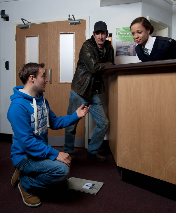 Tyrone Dobbs (Alan Halsall) proposes to Kirsty Soames (Natalie Gumede)