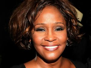 Whitney Houston, R Kelly unveil duet 'I Look To You' - Music News - Digital Spy