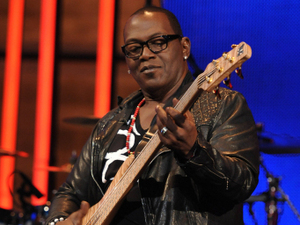 Randy Jackson with guitar in American Idol Hollywood Week