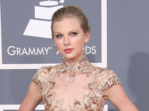 Taylor Swift 54th Annual GRAMMY Awards (The Grammys) - 2012 Arrivals held at the Staples Center Los Angeles, California
