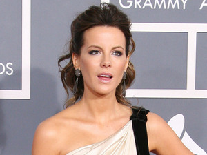 Kate Beckinsale 54th Annual GRAMMY Awards (The Grammys) - 2012 Arrivals held at the Staples Center Los Angeles, California