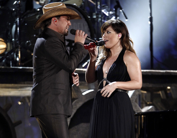 Kelly Clarkson and Jason Aldean