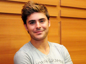 Zac Efron store appearance at Iguatemi Mall, Sao Paulo, Brazil
