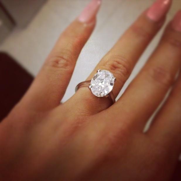 Amber Rose, ring