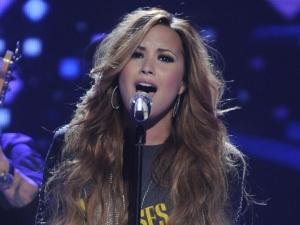 American Idol Season 11 - Results Show - 15/03/12 - Demi Lovato