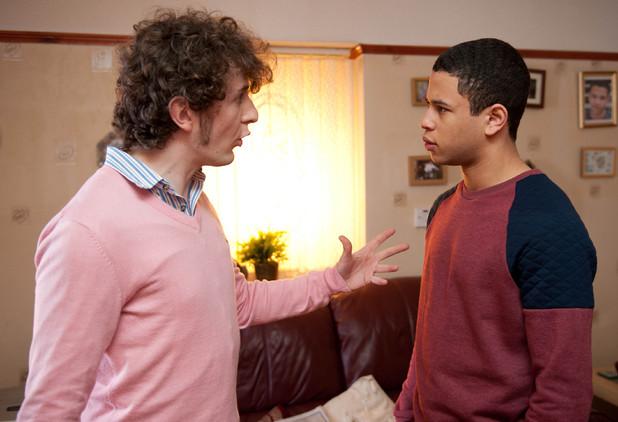 Hollyoaks: 3318: 2012-04-11