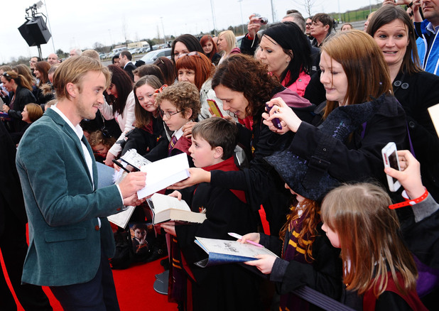 Harry Potter Studio Tour: Tom Felton signs autographs
