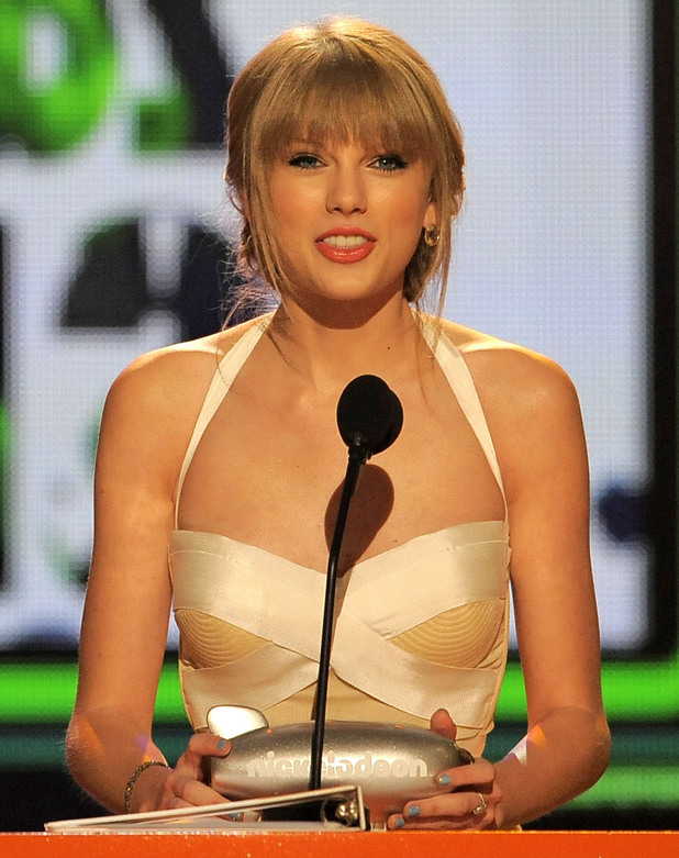 Nickelodean Kids Choice Awards 2012 - Taylor Swift