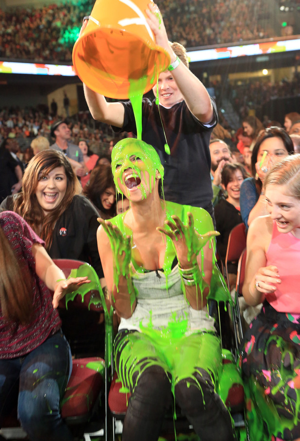Nickelodean Kids Choice Awards 2012 - Halle Berry
