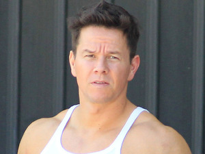 Mark Wahlberg films a chase scene for the movie &#39;Pain and Gain&#39;