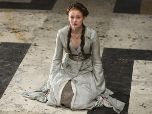 Game Of Thrones S02E04: Sansa Stark (Sophie Turner)