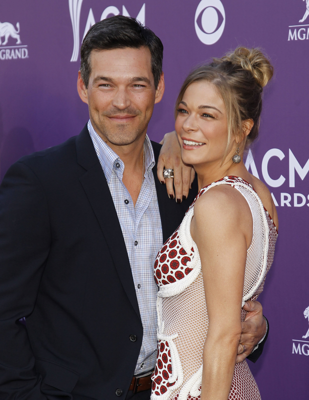 LeAnn Rimes, right, and Eddie Cibrian