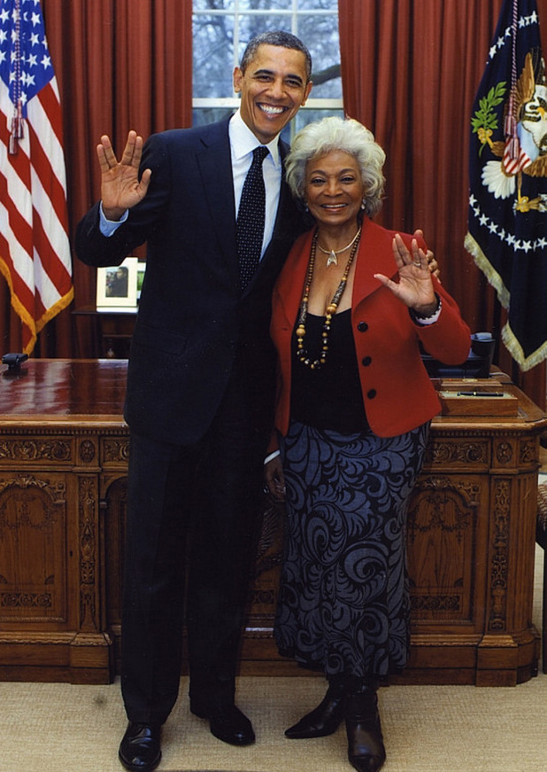 Barack Obama does 'Star Trek' Vulcan salute with Nichelle Nichols